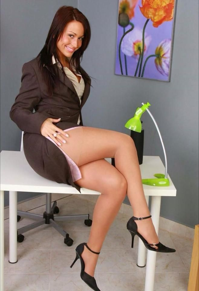 Stocking and pantyhose office movies