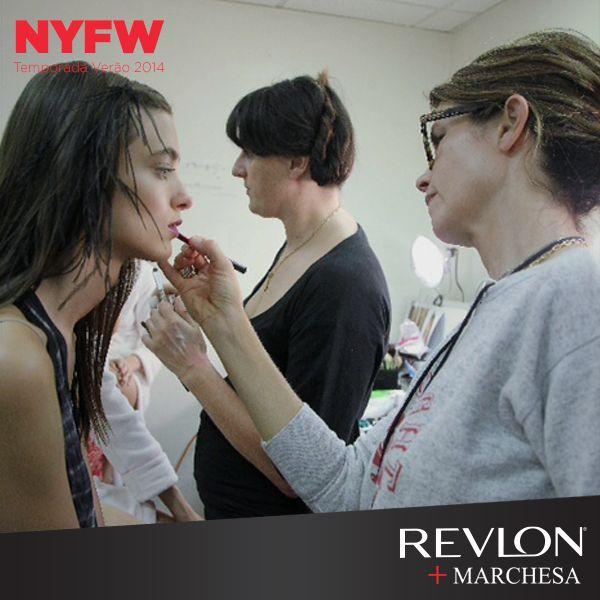 Desfile Marchesa. Maquiagem Gucci Westman, Revlon.