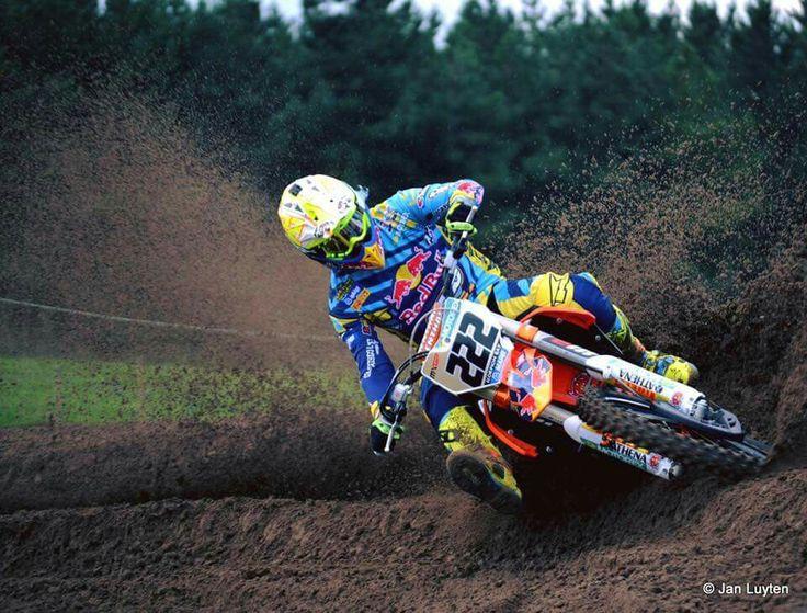 Tony Cairoli 222.
