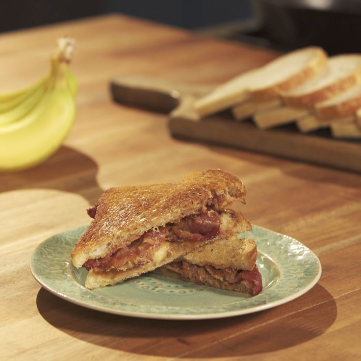 How to make Elvis Presley's favorite Sandwich.