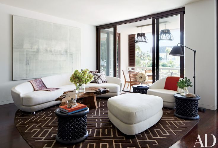See How Calvin Tsao Crafted a Chic and Relaxed Palm Beach Apartment For Fashion Designer Josie Natori Photos | Architectural Digest