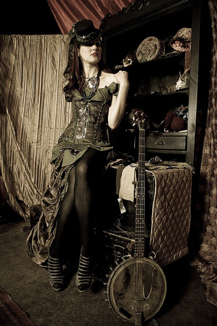 steampunk... With Banjo!