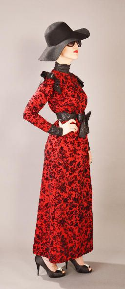 LUCINDA Rouge Luxuriously gorgeous dress features full sleeves, long neck and finished with a beautiful separate belt which completes the look. Hight fashion Scuba fabric with trendy pattern in black and red color. Size:S-M-L €85.00