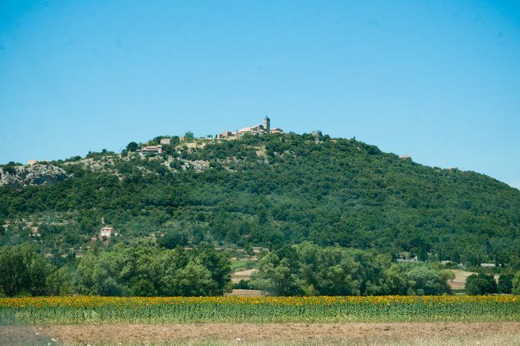 Saint Julien Le Montagnier au printemps en Provence (83) par Muddy Photography