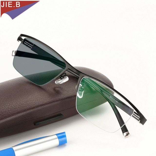 New Design Photochromic Reading Glasses Men Half Rim Titanium