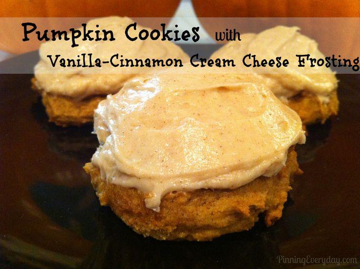 Pumpkin Cookies with Vanilla-Cinnamon Cream Cheese Frosting #pumpkin #cookies