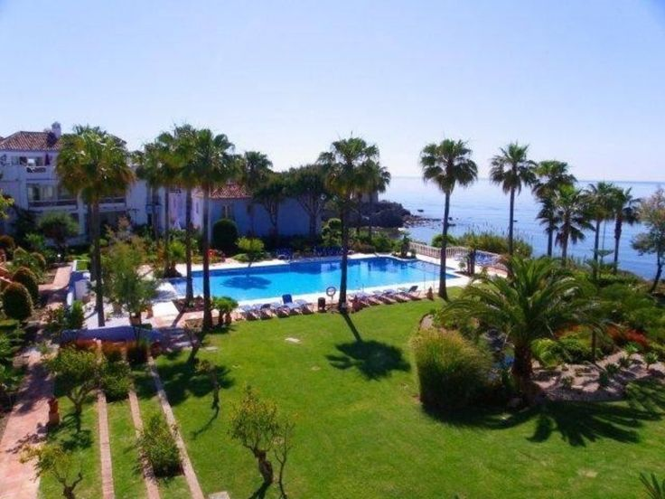 R2285822. Absolutely stunning beachfront apartment with amazing views. Beautifully set between mature gardens and pools. This is a luxury property which is sold including all the furniture. Facebook - Casa First  Phone - 0034 952798021