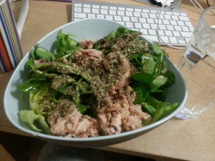 Tin of tuna in brine, 1TB olive oil, greens, oregano