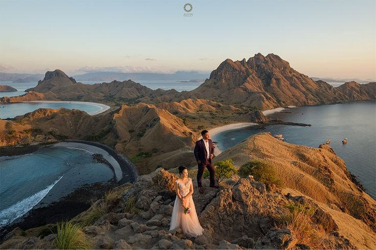 Flores is the most fascinating and beautiful island. Long hidden in the shadows of its more famous neighbor Bali, the island of Flores is finally emerging as a unique destination of its own . Courtesy from @adhyanovic & @kartiniayu Prewedding Location Padar Island, Labuan Bajo Flores . . Photograph by @alvinfauzie Check our website for the other photos at www.alvinphotography.co.id