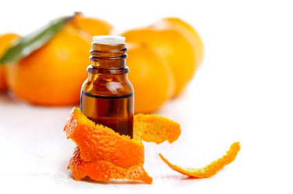 Sweet Orange Essential Oil is a great for healing scalps with bacterial infections and fungal infections, delays aging of the skin, improves skin texture and tone, heals acne, great for breaking up waxy sebum on the scalp, and balances an oily scalp. Sweet Orange Oil is known to help remove toxins from the skin and hair.