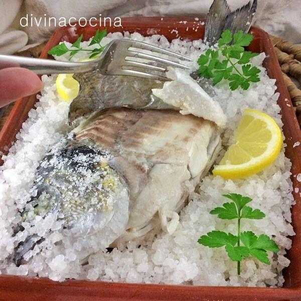 Dorada a la sal < Divina Cocina