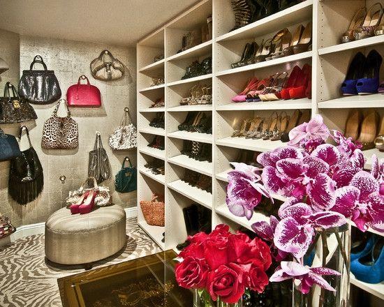Eclectic Closet. クローゼットのインテリアコーディネイト実例