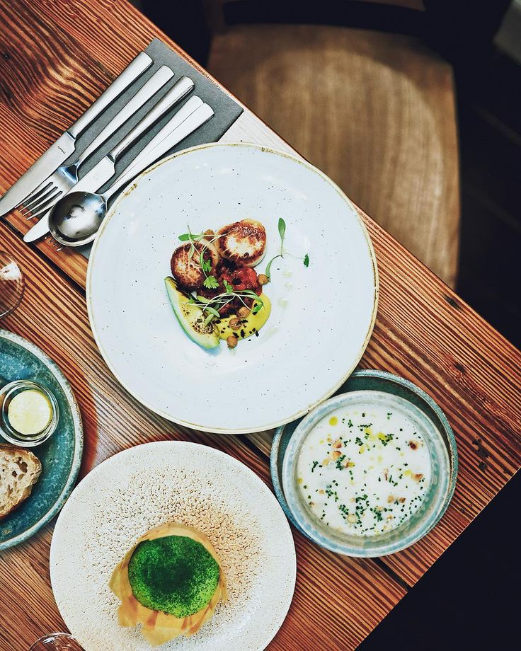 """Gefällt 50 Mal, 1 Kommentare - Christian Gustavsson (@christian_gustavsson) auf Instagram: """"Nice starters at Harry's in Londonderry Northerns Ireland. Awesome food! #scallops #cidersoup"""""""