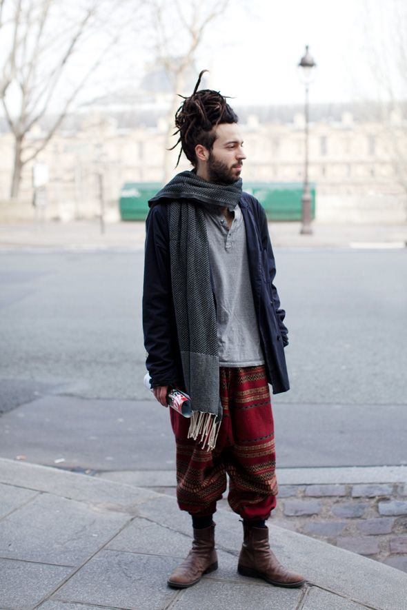 Takes a special kind of courage ... and eccentricity to pull this off. I have similar boots though. :)