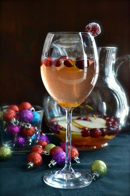 Cranberry Pear Christmas Sangria | Sangria, Cocktails and Cranberries