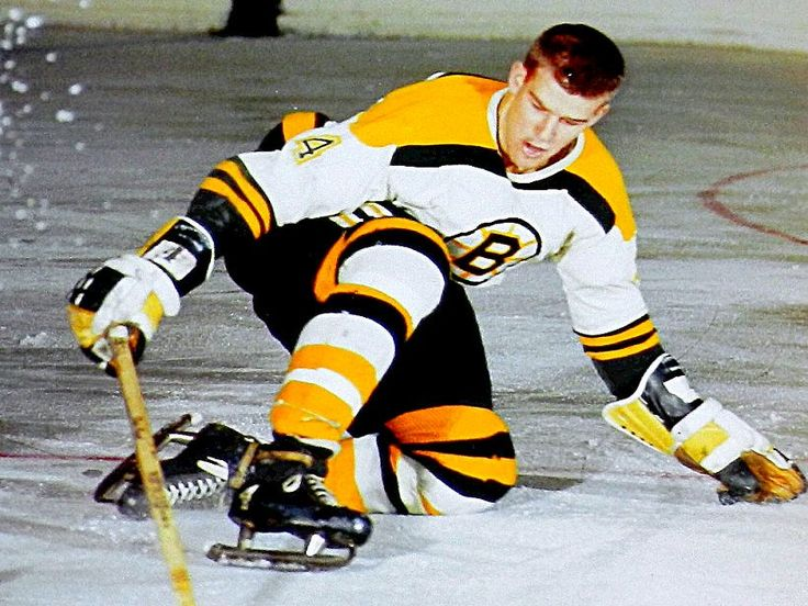 Here's a flashback: Bobby Orr. Rookie. #BostonBruins. 1966-67. (Media Tweets by Howard Berger (@Berger_BYTES) | Twitter)