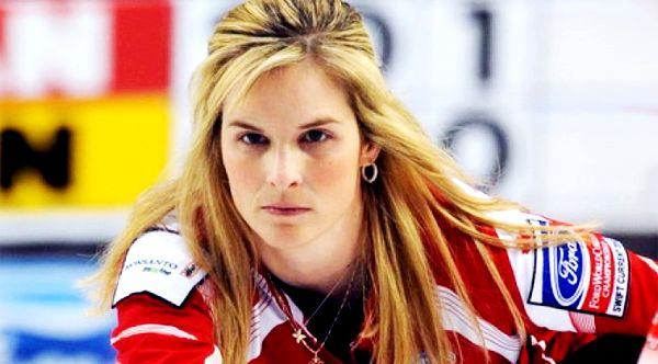 Jennifer Jones' curling concentration