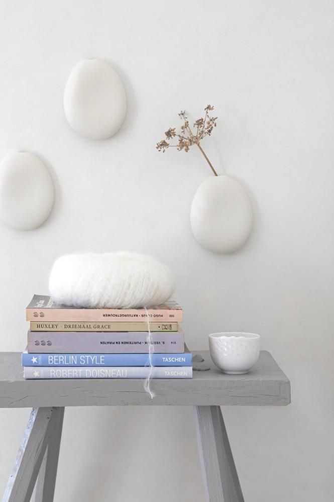 Styling & Picture Jeltje Fotografie Vase on wall: Otchipotchi