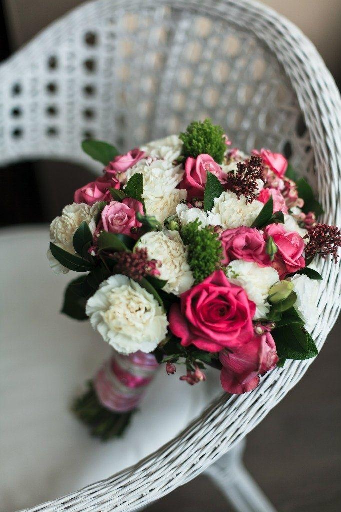 Нежно розовый букет невесты из роз, гвоздик и сирени , Свадебное оформление и флористика, Букет невесты