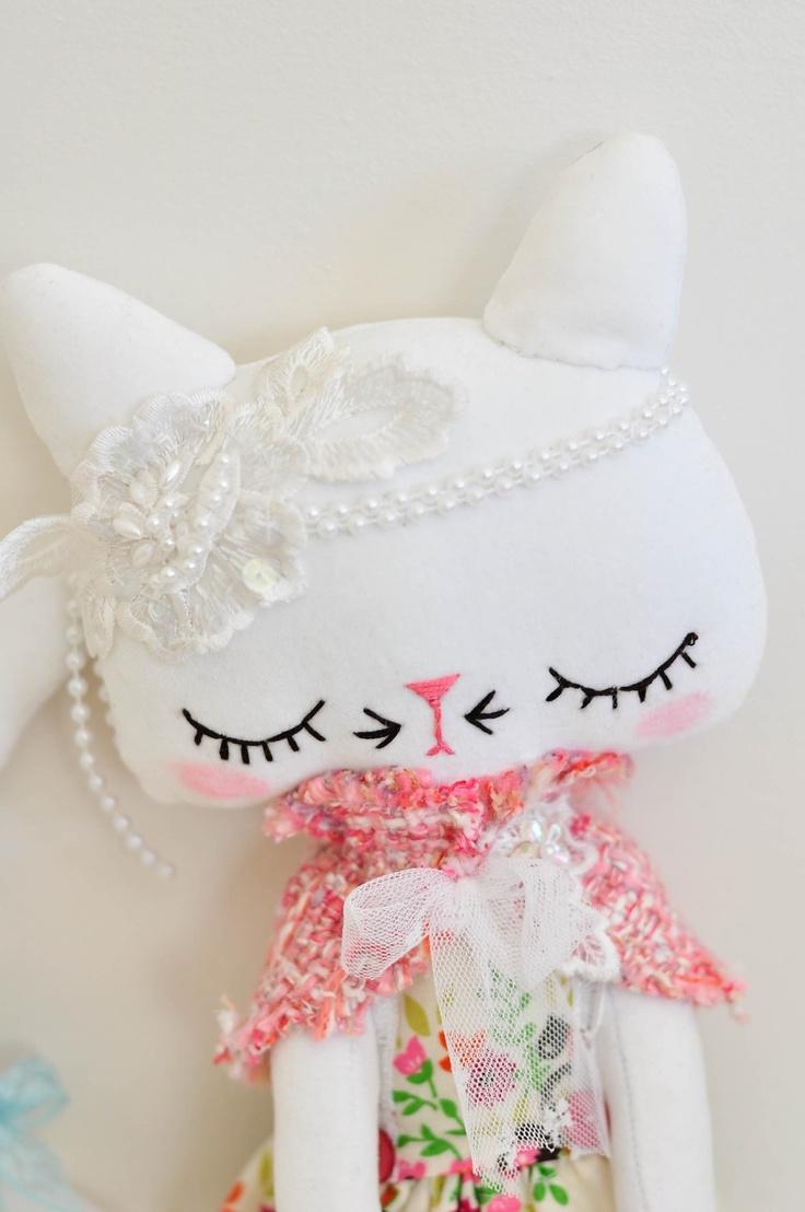 White velveteen kitty ~ nooshka ~ etsy x