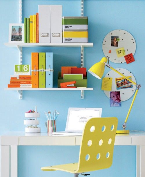 Work in colorWall Colors, Office Designs, Offices Spaces, Colors Home, Small Offices, Offices Ideas, Home Offices Design, Small Home Offices, Bright Colors