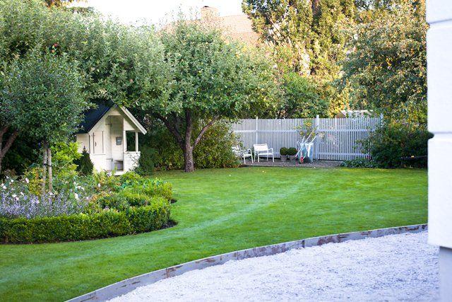 Plåtkant ringar in gräsmattan!