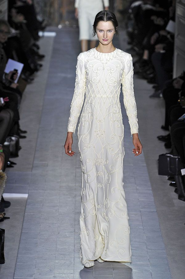 Semana da Moda de Paris: vestidos de noiva 2013. #casamento #vestidodenoiva #mangacomprida