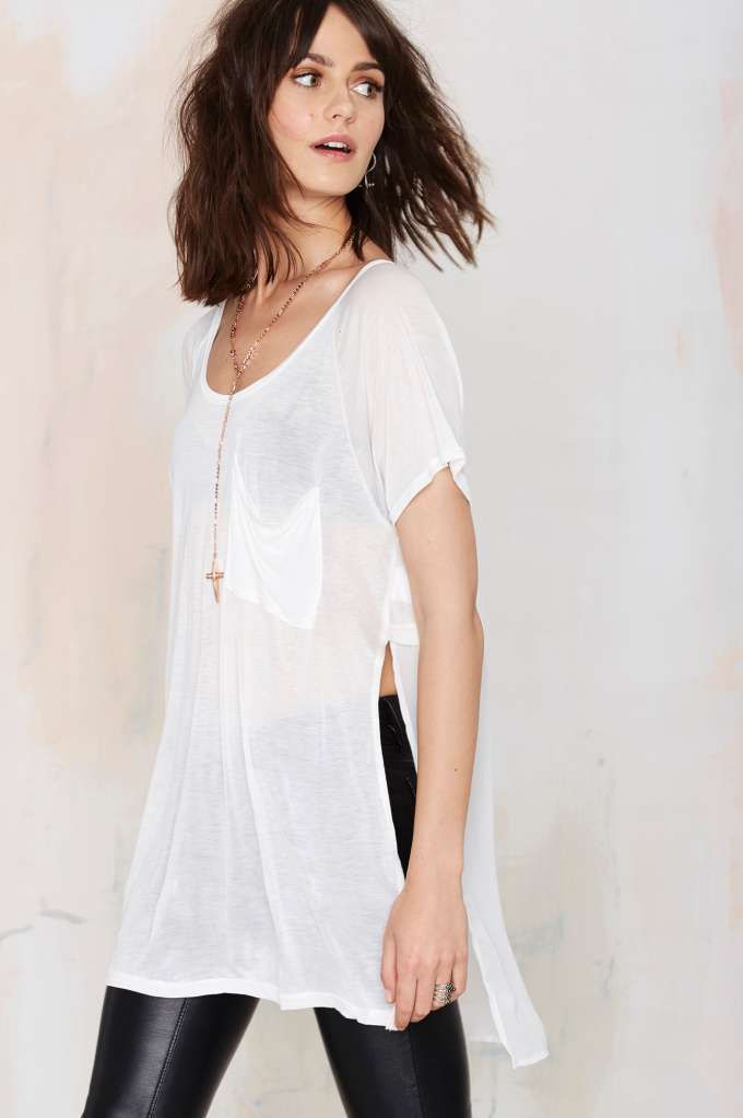 This isn't your average white tee, the Side Up Split Tee is the perfect slouchy summer basic that's spot on trend.