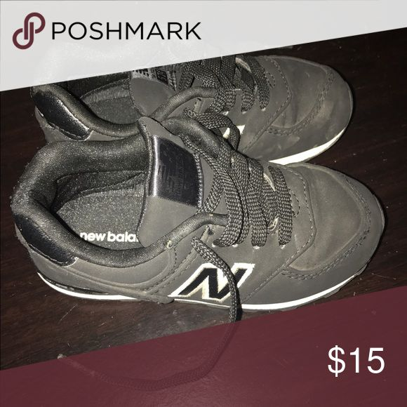 TODDLER NEW BALANCE Black toddler new balance. Excellent condition. Comfortable. New Balance Shoes Sneakers