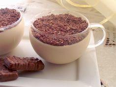 L'emporio 21: dolci al cucchiaio Mousse al Bayles 2 tuorli 200 ml panna fresca da montare 3 fogli di gelatina 40 gr zucchero 80-100 ml Bayles 5 cucchiai di latte