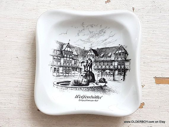 Porcelain ASHTRAY from Wolfenbüttel (Germany) home to the Jägermeister distillery Wolfenbuttel Stadtmarkt plate ashtray souvenir N10/800