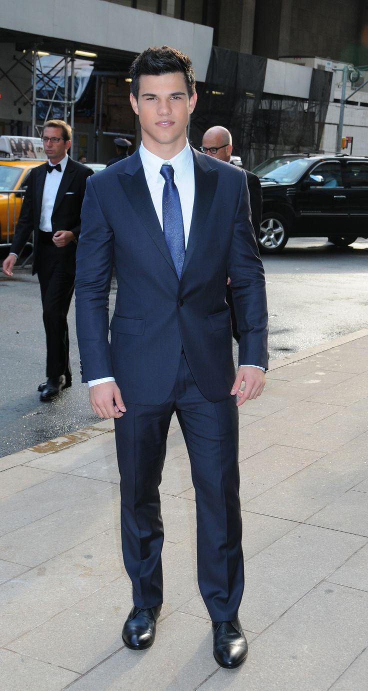 blue suit, white button up, blue tie, black shoes | Slips