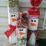 #Muñecos de #nieve navideños hechos con #maderas para decorar en Navidad #HOWTO#DIY #artesanía #manualidades #reciclaje
