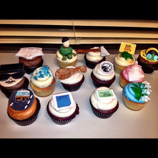 Breaking Bad cupcakes - Given to the cast by AMC (via Aaron Paul twitter)