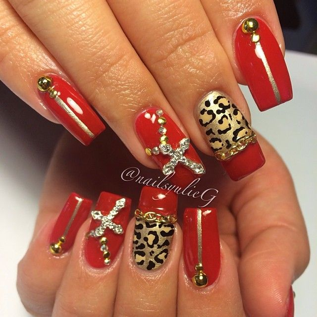 Red Cheetah Rosary Nails @nailsyulieg