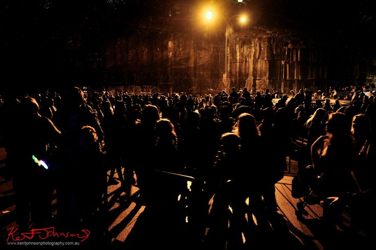 https://flic.kr/p/J5aLbc | The Mosh Pitt on Saturday Night that is VIVID Sydney 2016 | People crowd close together at the end of Macquarie Street as the move towards the Sydney Opera House and the Royal Botanic Gardens for Vivid Sydney in what looks like it's busiest year ever.