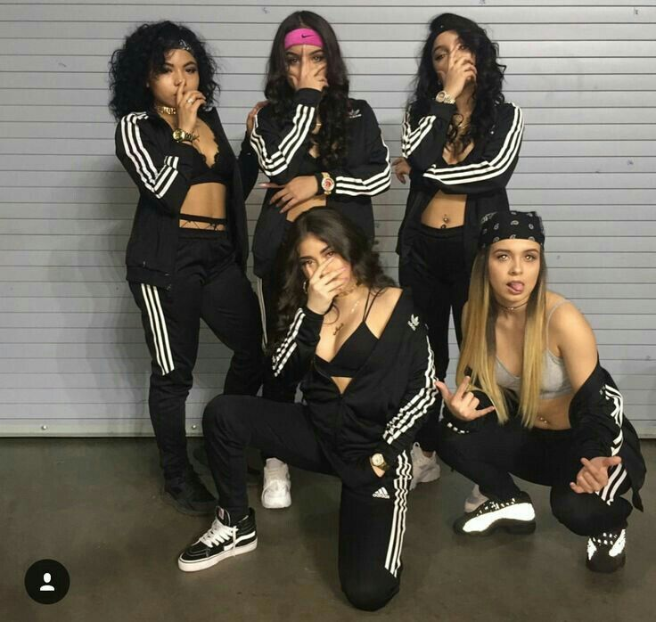 Fotos Tumblr Fotos Com Amigas Part 2 Best Friend Outfits Twin Outfits Squad Outfits