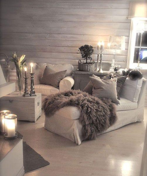 Hogar, dulce hogar. Los colores neutros realzan la belleza del interior de este espacio, la luz tenue le aporta confort.
