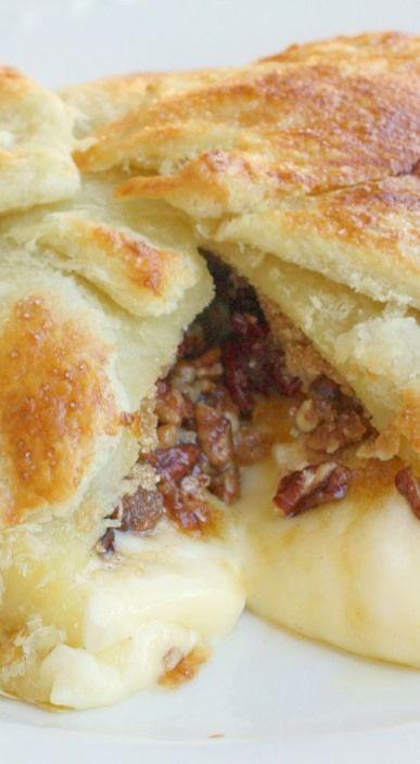 Paula Deen's Brie En Croute