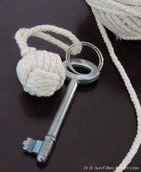 cadeaux d'invités portes-clefs noeud marin