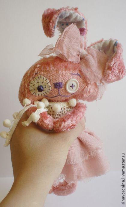 Зайка-раздолбайка:) Девочка:). Handmade.