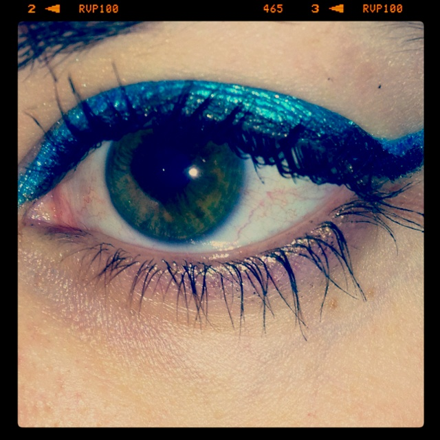 Simple but colorful eyeliner Maybelline Color Tattoo in