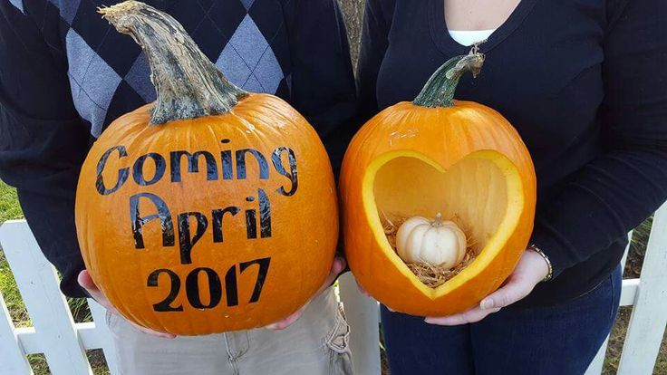 October pregnancy announcement. Pumpkins