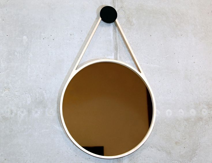 Same as Marc Drop Mirror but with a mirror diameter of 50 cm Modern and minimalist wall mirror that comes out of the shape of a falling drop, similar to the