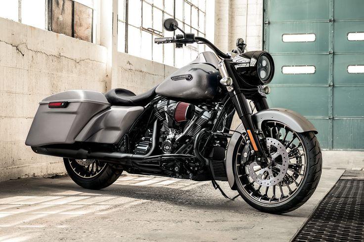 2017 Touring Road King® Gallery | Harley-Davidson USA