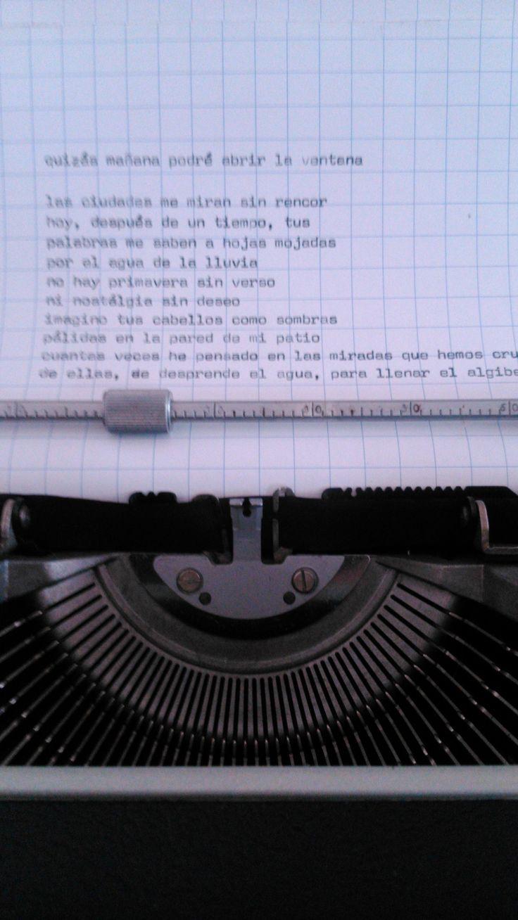 es más que una maquina de escribir....