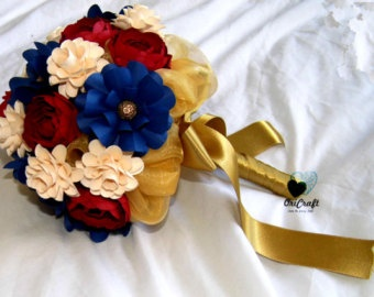 Marine colors wedding bouquet.