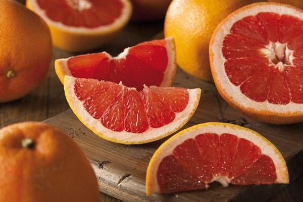 Las frutas tropicales como la piña, el pomelo o la papaya, son una gran fuente de vitamina c y son muy digestivas. Ya forman parte de nuestra dieta.
