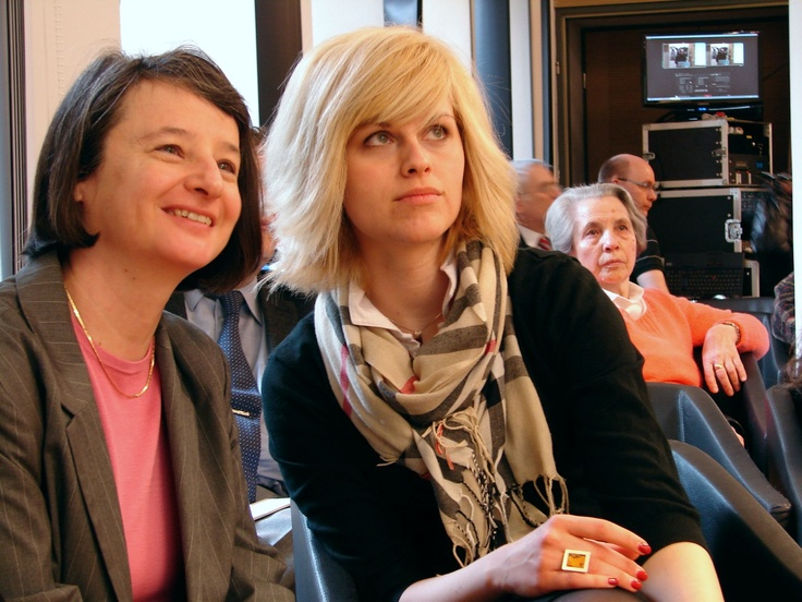 Dr. Susanne Bachfischer, az Osztrák Kulturális Fórum igazgatója munkatársával, Nemesházy Orsolyával az Anschluss konferencián