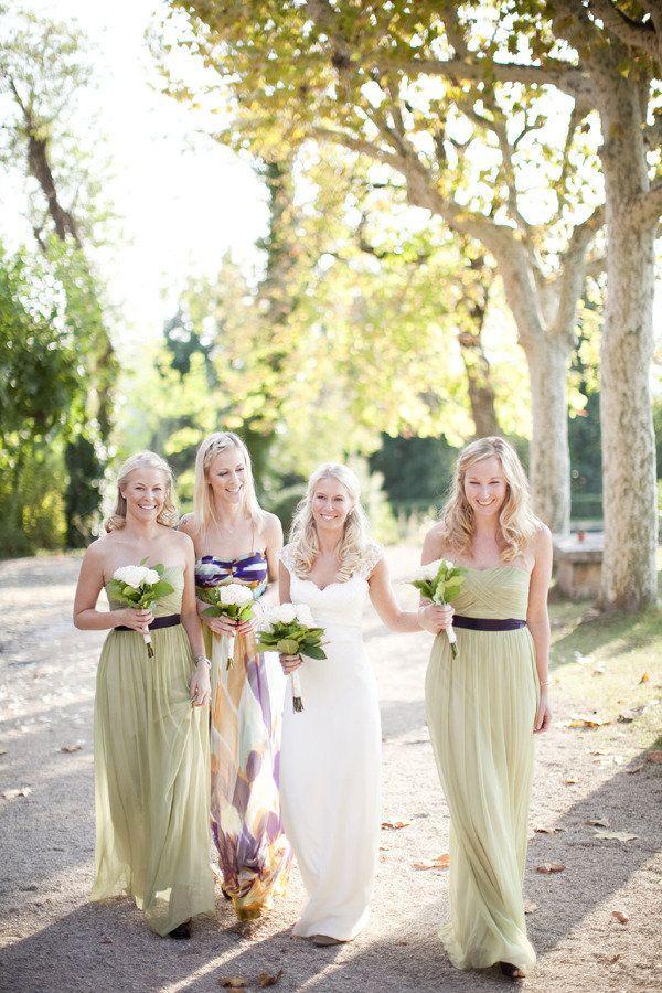 love the green bridesmaids dresses!Brides Dresses, French Wedding, Brides Maid Dresses, The Dresses, Long Bridesmaid Dresses, Bridesmaid Gowns, The Brides, Events Plans, Green Dresses